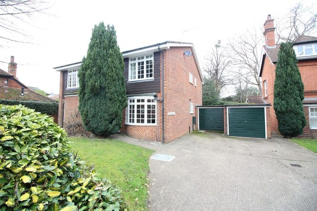 1 bed maisonette for sale in Middle Hill, Englefield Green