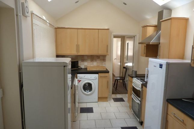 Thumbnail Flat to rent in Salisbury Road, Cathays, ( 7 Beds )