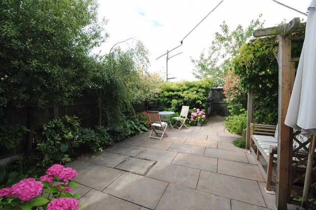 Photo 12 of Grove Court, Southbourne Grove, Westcliff-On-Sea SS0
