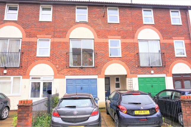 Thumbnail Town house to rent in Appleton Square, Mitcham