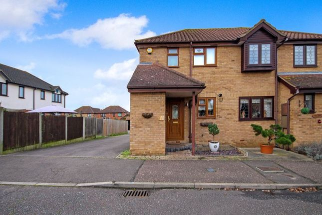 2 bed terraced house for sale in Robinia Close, Laindon, Basildon SS15