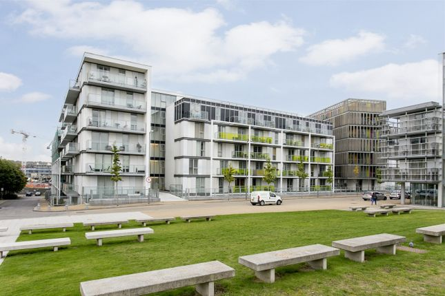 Thumbnail Flat for sale in Emerson Apartments, New River Village, Hornsey