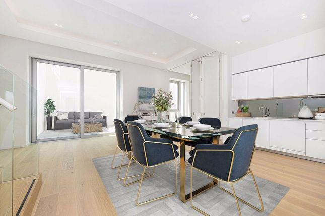 Thumbnail Flat for sale in Lillie Square, London