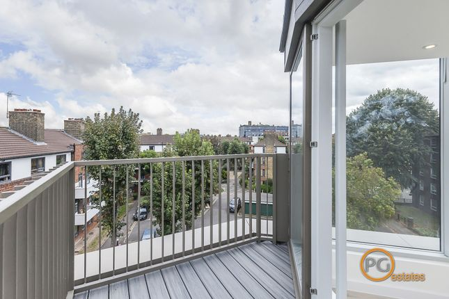 Thumbnail End terrace house to rent in Weston Street, London