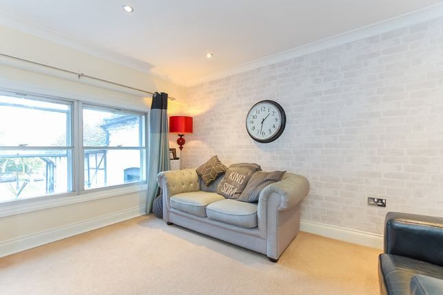 Thumbnail Flat for sale in Park Street, Colnbrook, Slough