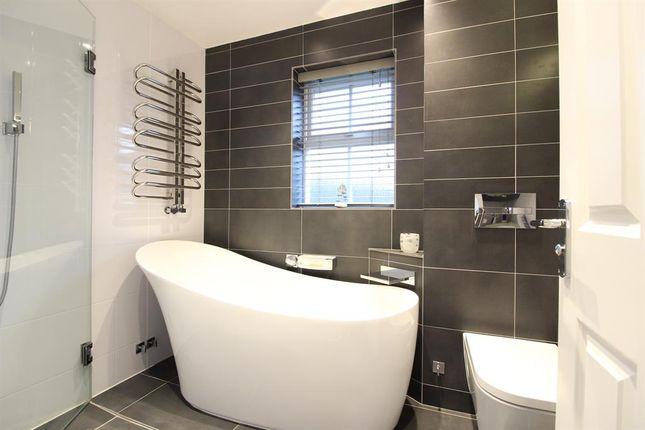 Family Bathroom of Colonel Stephens Way, Tenterden TN30