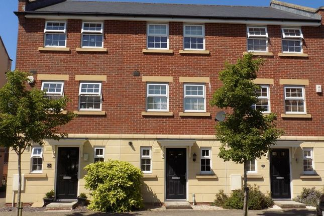 3 bed terraced house for sale in Birkdale Close, Swindon