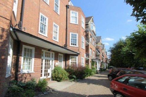 Thumbnail Flat for sale in Cavendish Gardens, Trouville Road, Clapham, London
