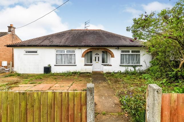 3 bed detached bungalow for sale in Broadway, Heacham, King's Lynn PE31