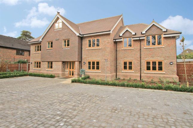 Thumbnail Flat for sale in Laurelvale House, Long Lane, Ickenham