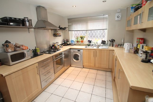 Thumbnail Terraced house to rent in Westfield Road, Leeds