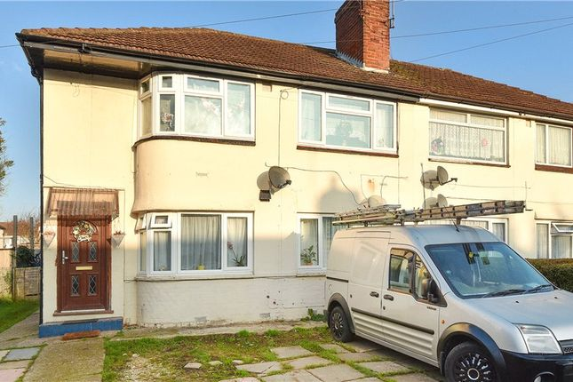 2 bed maisonette for sale in Lancaster Avenue, Farnham Royal, Slough