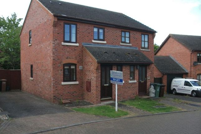 2 bed terraced house to rent in Wenlock Close, Didcot
