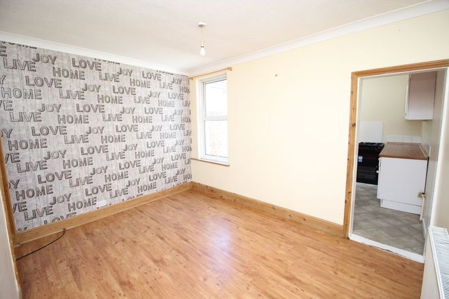 2 bed terraced house to rent in Copnor Road, Portsmouth PO3