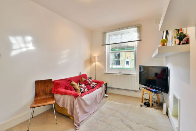 Flat to rent in Northdown Street, London