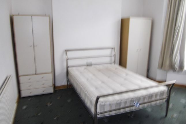 Thumbnail Shared accommodation to rent in 13 Ernald Place, Swansea