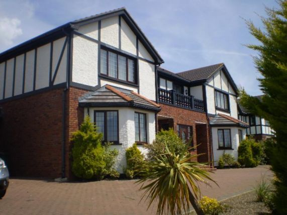 Thumbnail Town house to rent in Manor Park, Onchan