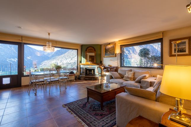 Thumbnail Semi-detached house for sale in Escaldes, Escaldes, Andorra