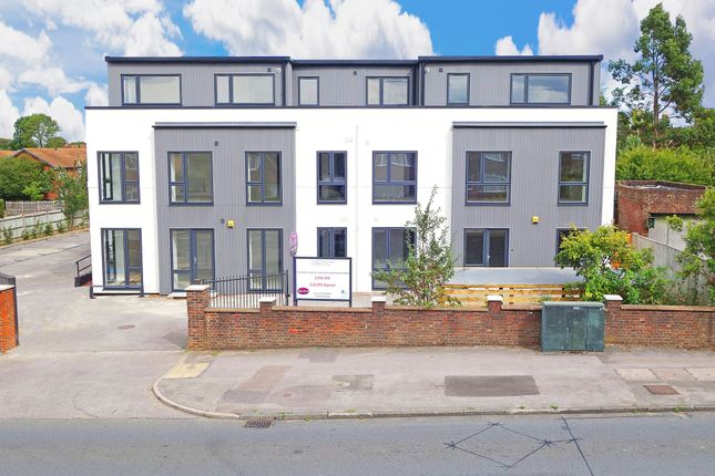 Thumbnail Flat for sale in Worplesdon Road, Guildford
