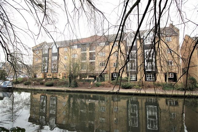 Thumbnail Flat to rent in Stephenson Wharf, Hemel Hempstead