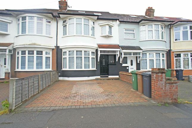 Thumbnail Terraced house for sale in Cherrydown Avenue, London