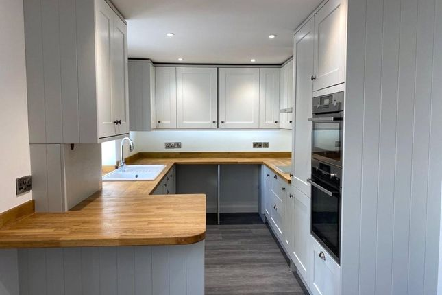 Kitchen of Fore Street, Silverton, Exeter EX5