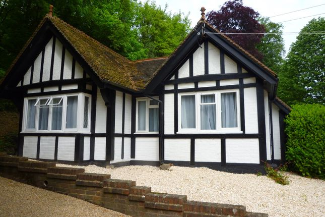 Thumbnail Bungalow to rent in High Street, Shoreham, Sevenoaks