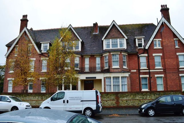Thumbnail Flat to rent in Grange Road, Eastbourne