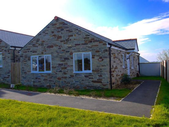 Thumbnail Detached bungalow to rent in Porthpean Road, St Austell