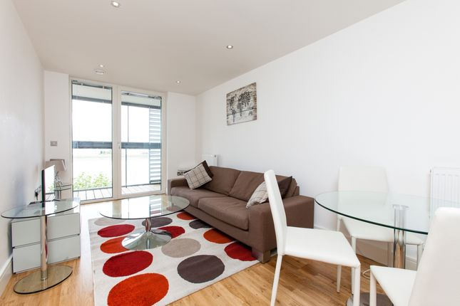 Thumbnail Flat to rent in New Capital Quay, Beacon Point, Greenwich