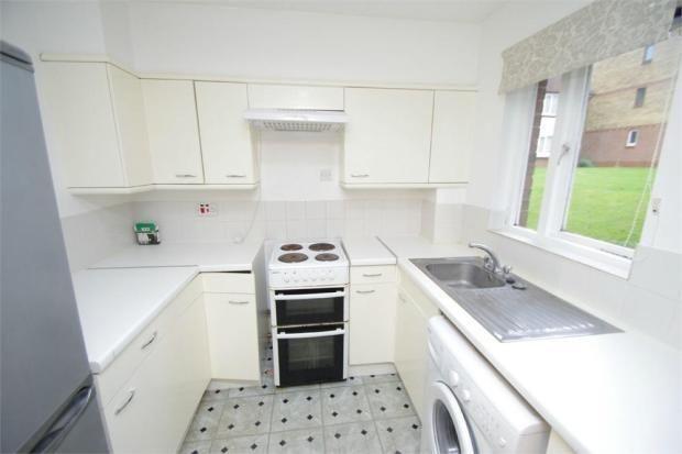 Thumbnail Flat to rent in Hunters Lane, Leavesden, Watford