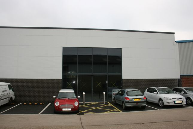 Thumbnail Retail premises to let in 3 Grovebell Retail Park, Wrecclesham, Farnham