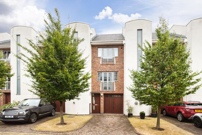 4 bed terraced house for sale in Tallow Road, Brentford