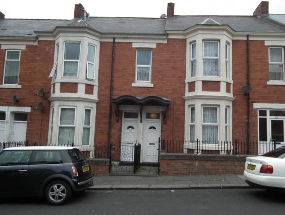 3 bed flat to rent in Fairholm Road, Newcastle Upon Tyne NE4