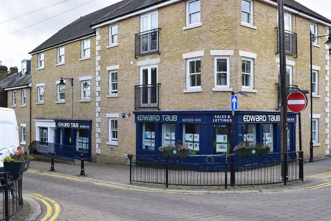 Thumbnail Retail premises for sale in Queens Road, Buckhurst Hill, Essex