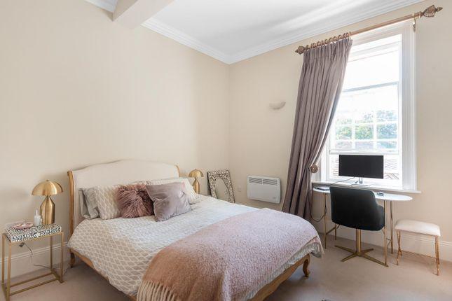 Bedroom One of London Road, Reading RG1