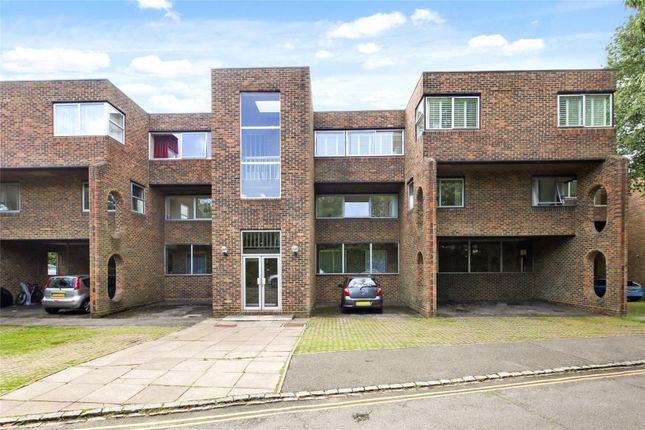 Thumbnail Flat for sale in Stroudwater Park, Weybridge, Surrey