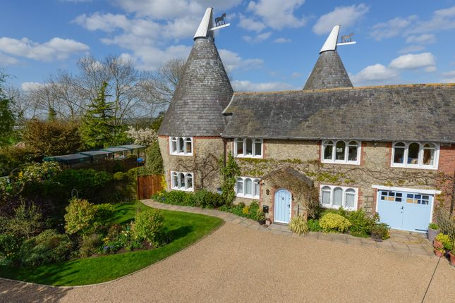 Thumbnail Property for sale in Munday Oast, Pluckley, Ashford