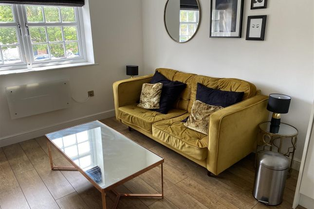 Thumbnail Flat to rent in Wellington Street, Hull