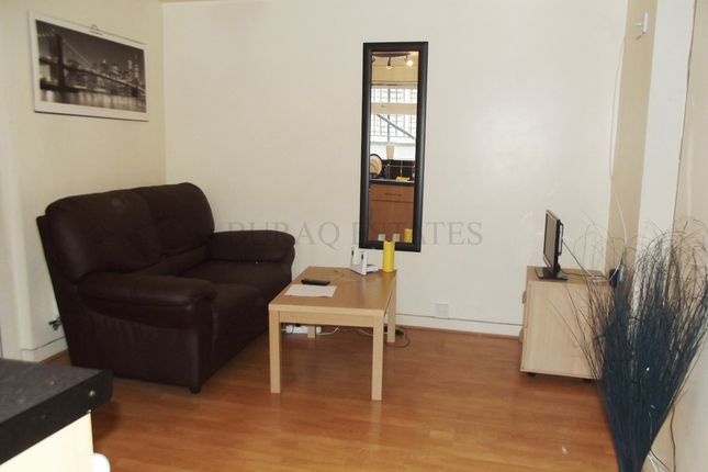 4 bed flat to rent in Birchfields Road, Bills Included, Manchester