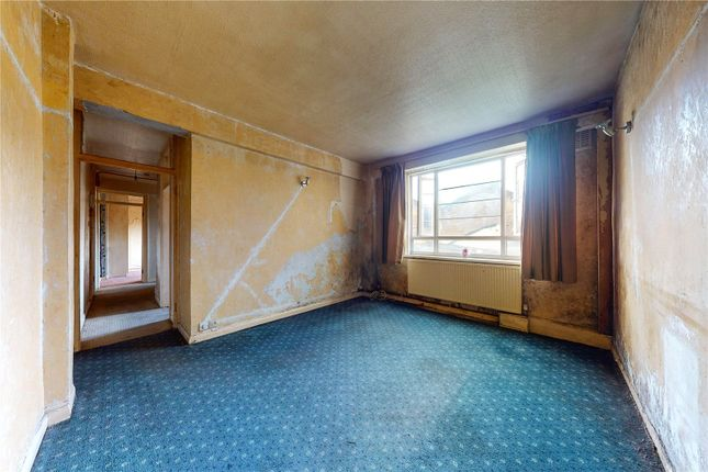 Reception Room of Beaumont Court, Upper Clapton Road, London E5