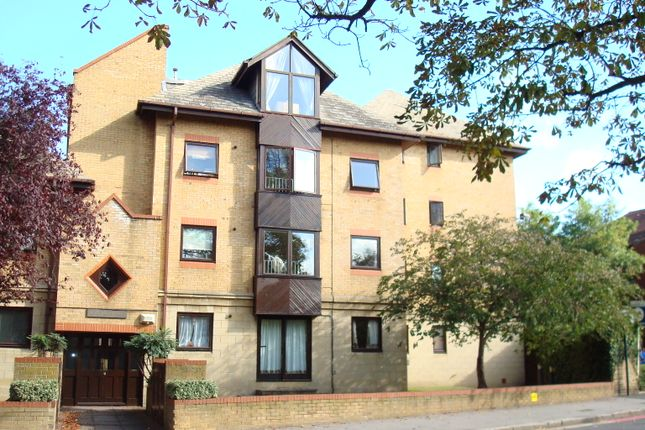 Thumbnail Flat to rent in 15 Park Hill Rise, East Croydon