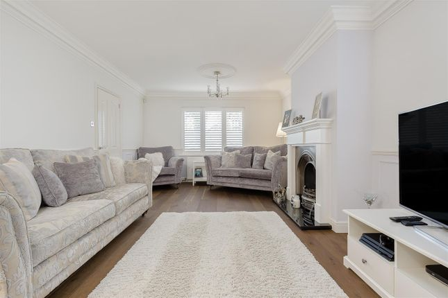 House-Woodcote-Road-Wallington-102