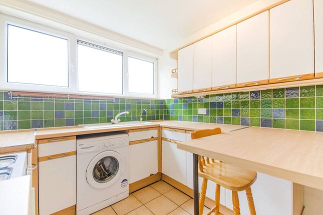 Thumbnail Flat to rent in Coleraine Road, Blackheath