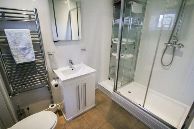 Bathroom of Hawthorn Close, Pucklechurch BS16
