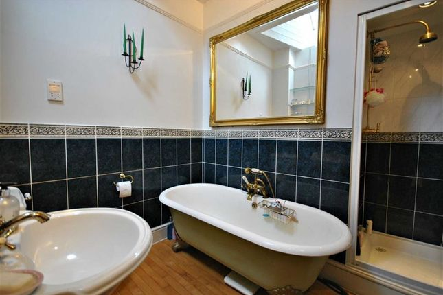Bathroom of Brixworth Road, Spratton, Northampton NN6