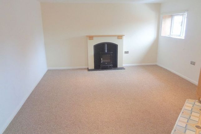 Thumbnail Flat to rent in One Bedroom Apartment, Burton Road, Uphill