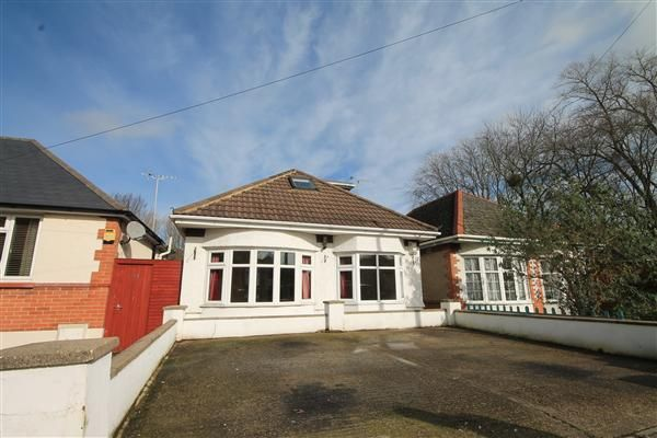 Thumbnail Bungalow to rent in Recreation Road, Parkstone, Poole