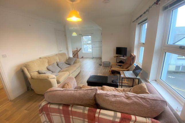 Lounge of Calver Close, Penryn TR10
