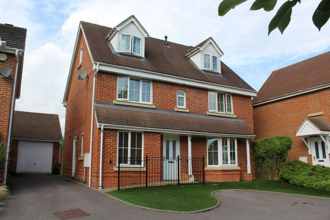 Thumbnail Town house for sale in Churchlands, Aldershot